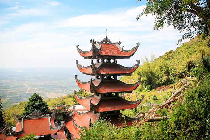Гора Таку