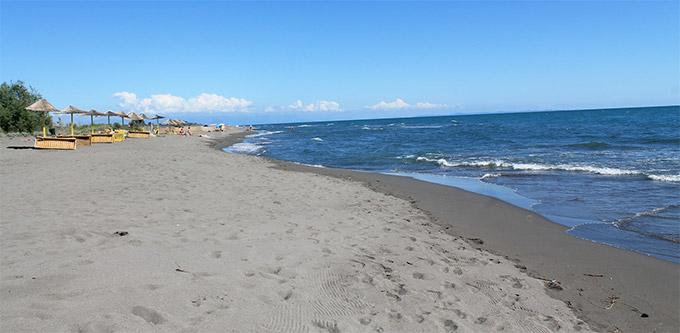 Песчаный пляж в Ульцинь
